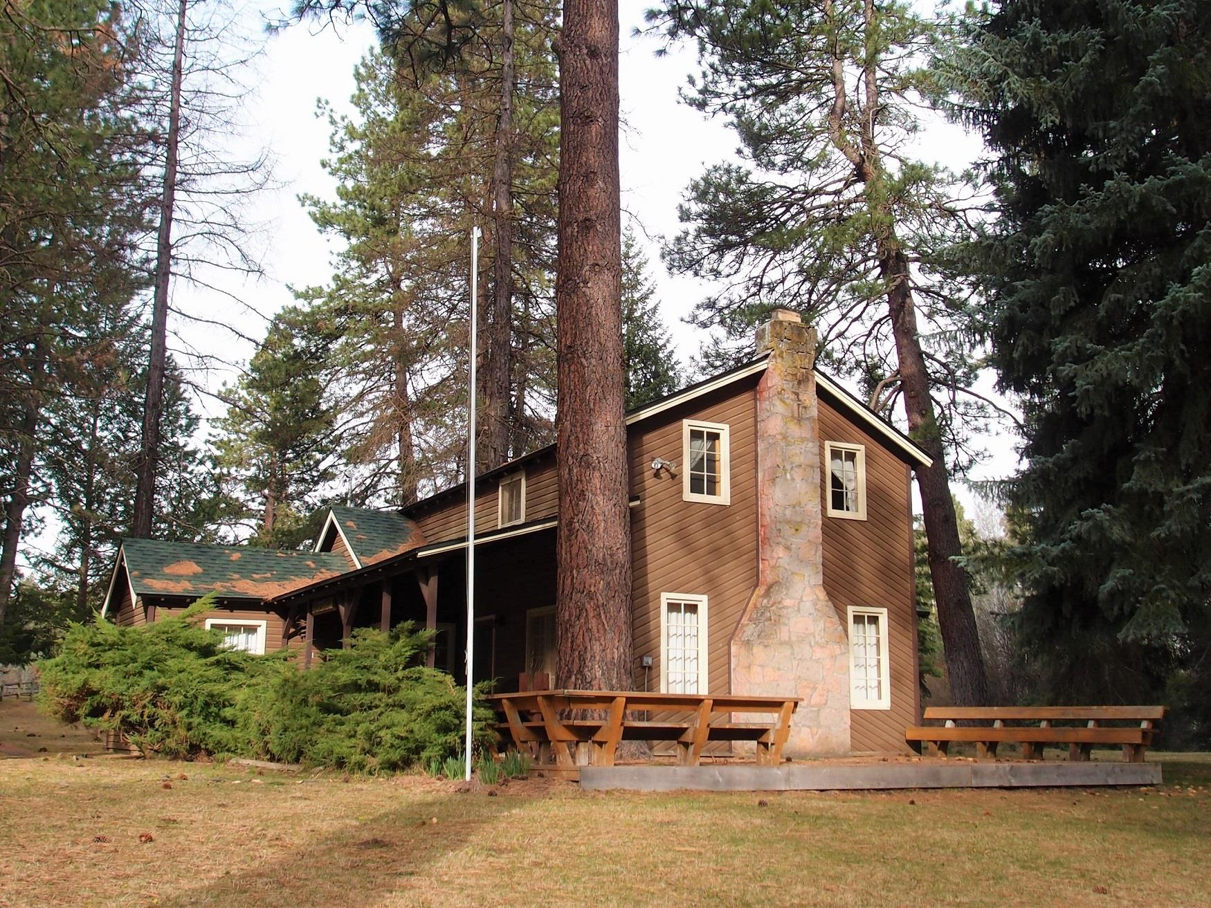Exterior shot of Haberman Cabin at Cold Springs Resort, on the Metolius River in Camp Sherman, Oregon